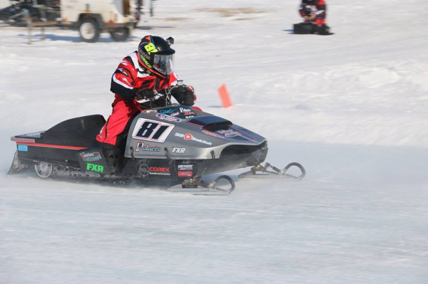Snowmobile racing with restored cylinders